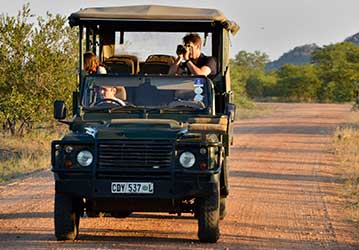 Nandzana Safaris safari vehicle